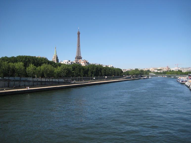 ------* SIEMPRE NOS QUEDARA PARIS *------ CAUcKnJWEAExSxT