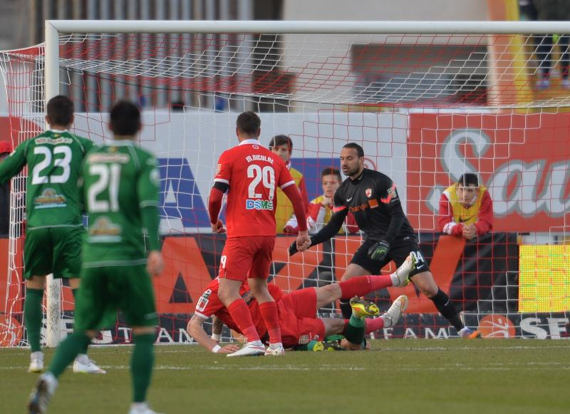 Naumovski conceded three goals