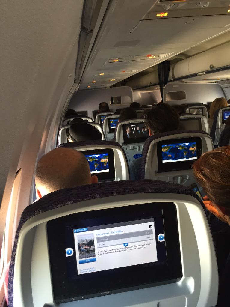 Governor Jerry Brown, 24A right in front of me. Love a politician who flies coach. http://t.co/zNa2nV53aB