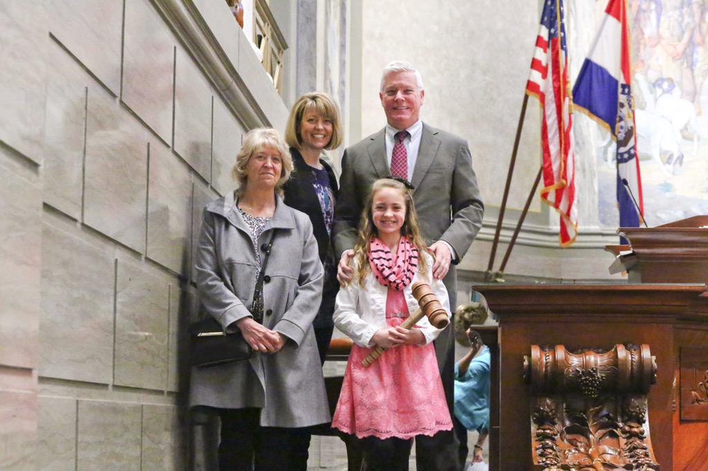 Official photo of The Lil opening the Missouri State Senste with @PeterKinder.  #moleg http://t.co/bJEFv5nps1