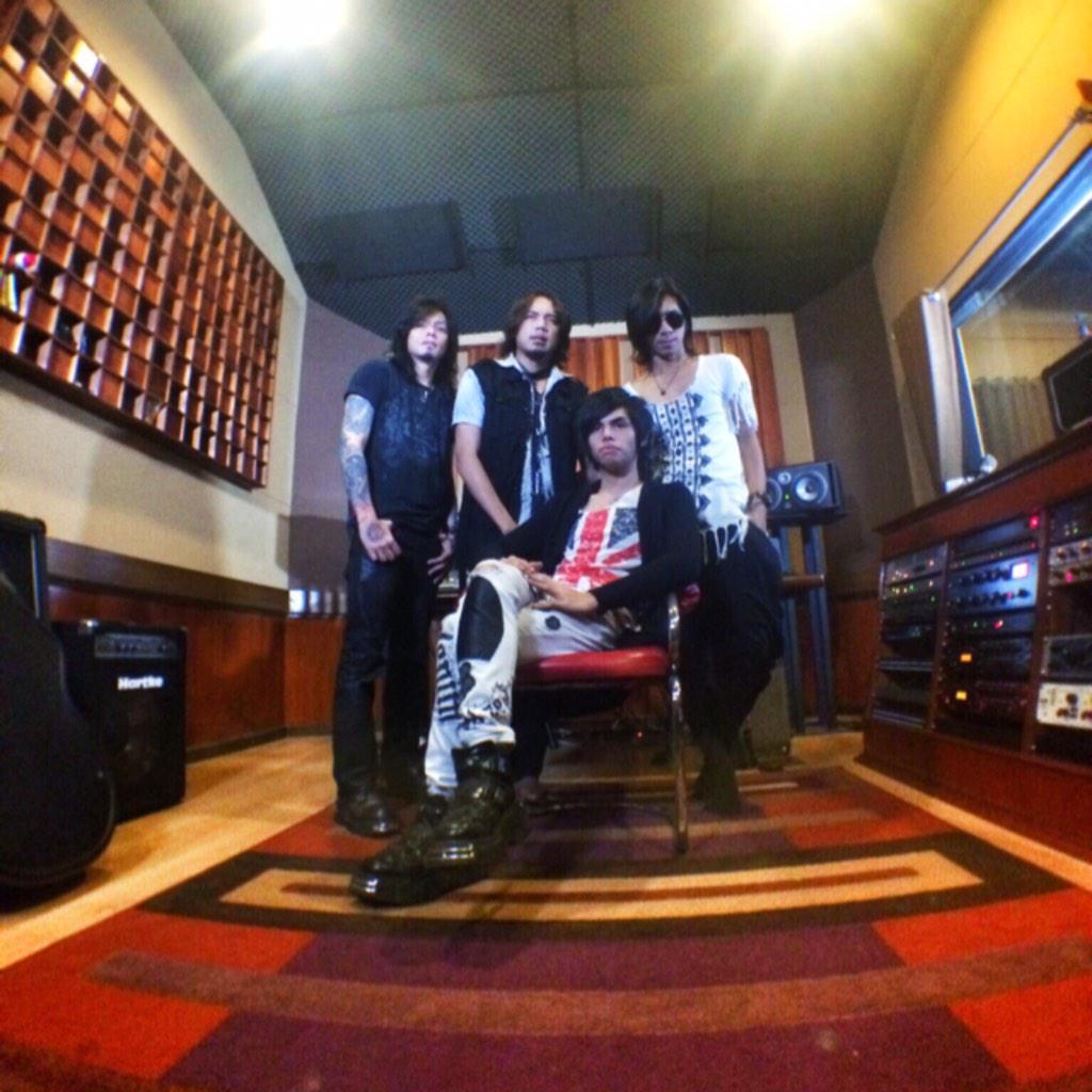 Personil Zigaz, Rif , J-Rocks menjadi satu Band. Apakah Mereka Bubar ?