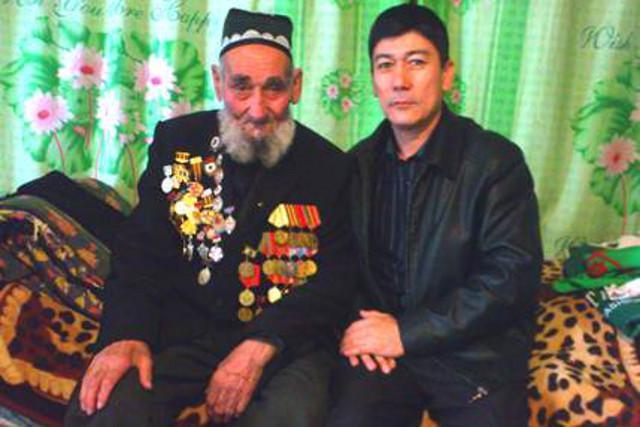 Скончался последний защитник Дома Павлова во время Сталинградской битвы Камолжон Тургунов http://t.co/NlH1qOlHe5 http://t.co/rLz4XTXfXC