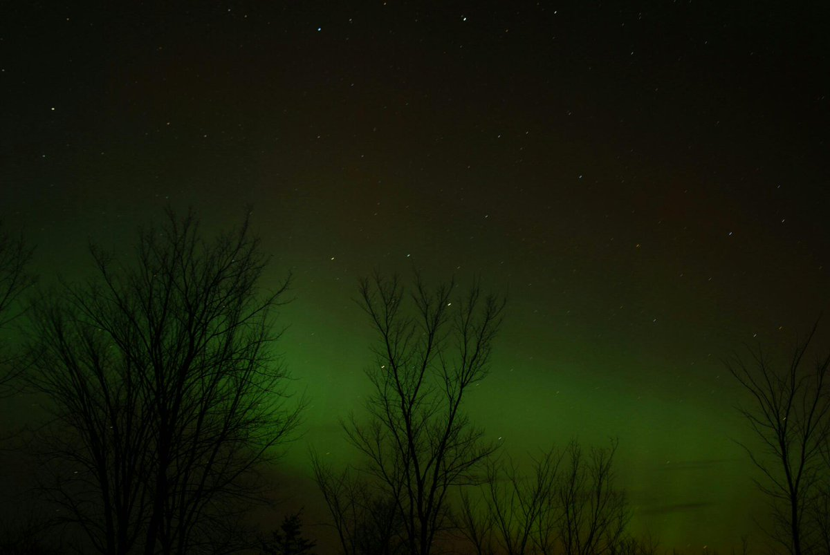 @YGKTraffic Here is the show in Yarker at 9:50. #NorthernLights http://t.co/4pBaa76XwD