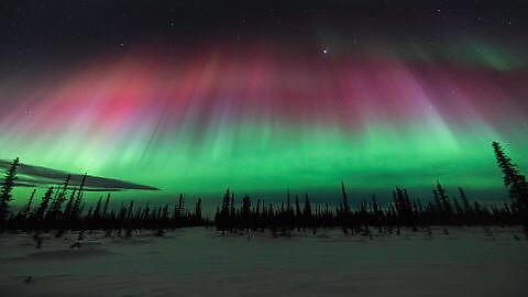 """A severe solar storm created beautiful aurora borealis yesterday in Alaska. [480x270]"" http://t.co/vnTrePbtjR"