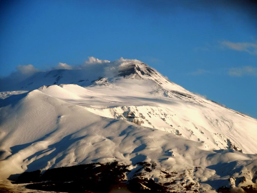 RT @etnaboris Splendid morning view of Etna after two days without a single ray of the sun - 18 March 2015