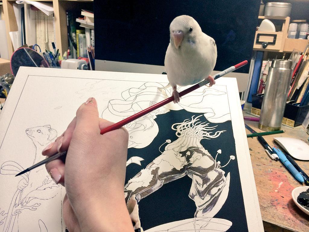 筆の先端に乗られるとものすごく重くて描けない… pic.twitter.com/RUpnvmx6Uu