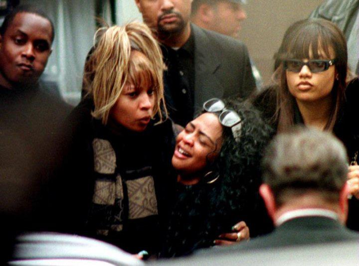 @Combat_Jack RT @DailyRapPics: Today in 1997, Biggie is laid to rest. Mary J. Blige consoles Lil Kim at the funeral. http://t.co/uHaL96f3ij