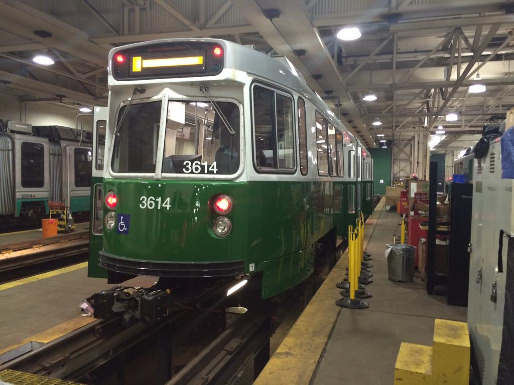 First #MBTA Refurbished #GreenLine Trolleys Delivered http://t.co/CCU2Du5cSA http://t.co/y7VhatJSII