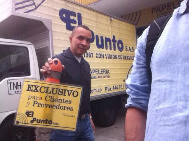 Espacios públicos exclusivos de privados! #PalaceParaTodos @anibalgaviria @AlcaldiadeMed @PartidoLAIN @LaCiudadVerde http://t.co/OiDyGmRpND