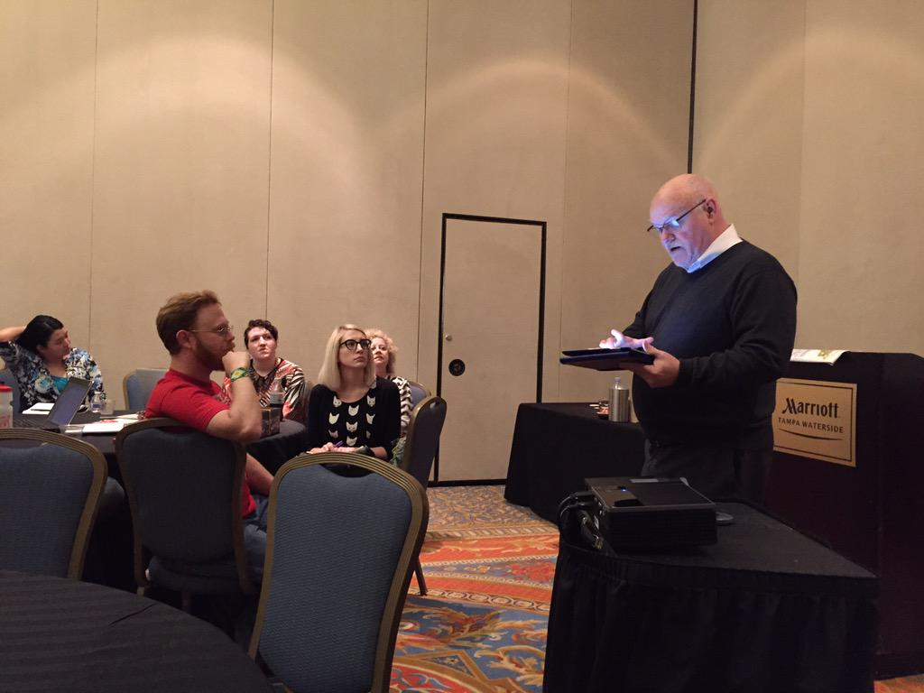 Frank Farmer frames #MW02 through craft, DIY, bricolage, & assembly. #4c15 http://t.co/7L83HEYzZ2