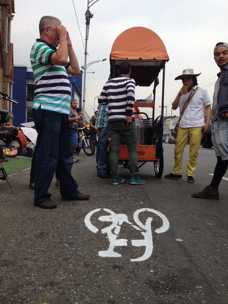 Caminar, pedalear, refrescarse. Retomar espacios urbanos a escala humana como ejercicio ciudadano #PalaceParaTodos http://t.co/qMzAVCNGOr