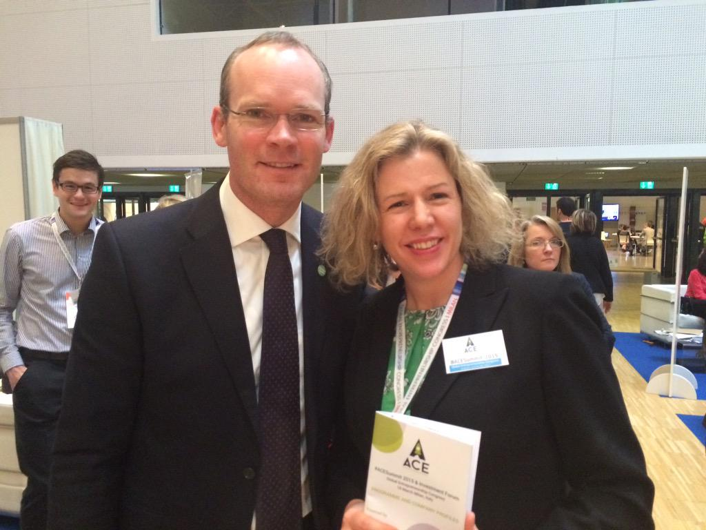 Simon Coveney Irish minister for agriculture supporting Irish companies pitching at #ACEsummit n Milan #EBN http://t.co/GQB23dfYMm