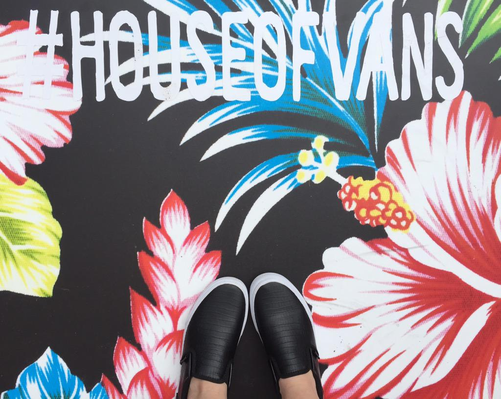 Just got my first pair of @VANS_66! Digging these black leather ones. #SXSW #houseofvans http://t.co/irFyYcKr1k