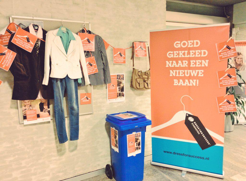'Goed gekleed naar een nieuwe baan': tof dat @gem_Eindhoven inzamelt bij het Stadhuis! Heb jij nog iets? Doneer! http://t.co/K87WmonGR0