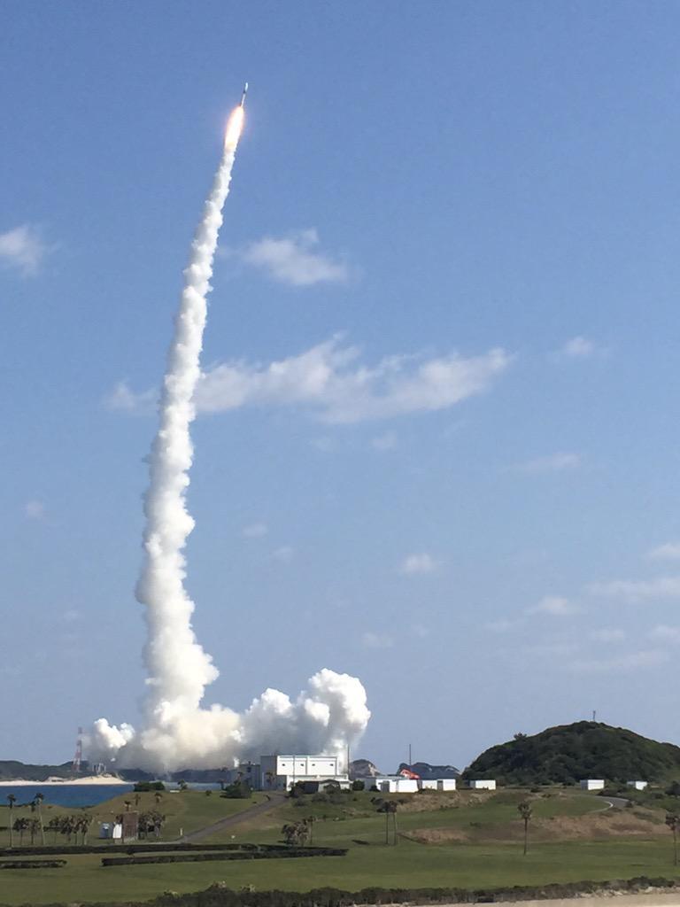 情報収集衛星は予定通り、定刻に打ち上げ。 pic.twitter.com/FIcQ0EGm4Y