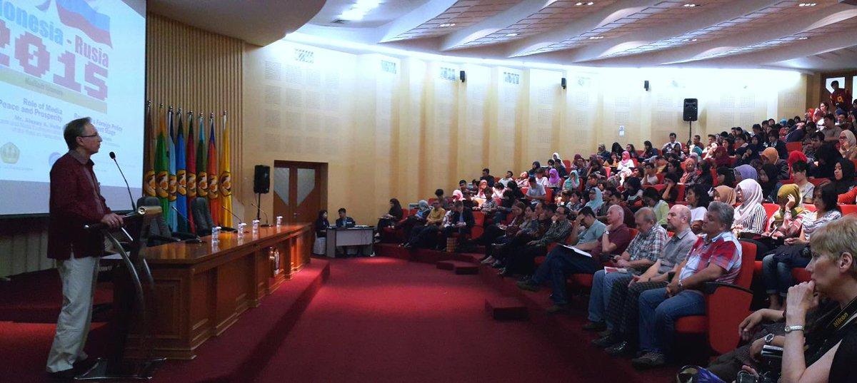 Kuliah umum Dubes Rusia untuk Indonesia Mikhail Galuzin di Universitas Padjadjaran, Maret 26, 2015 #RusiaIndonesia http://t.co/4BnLyf9486