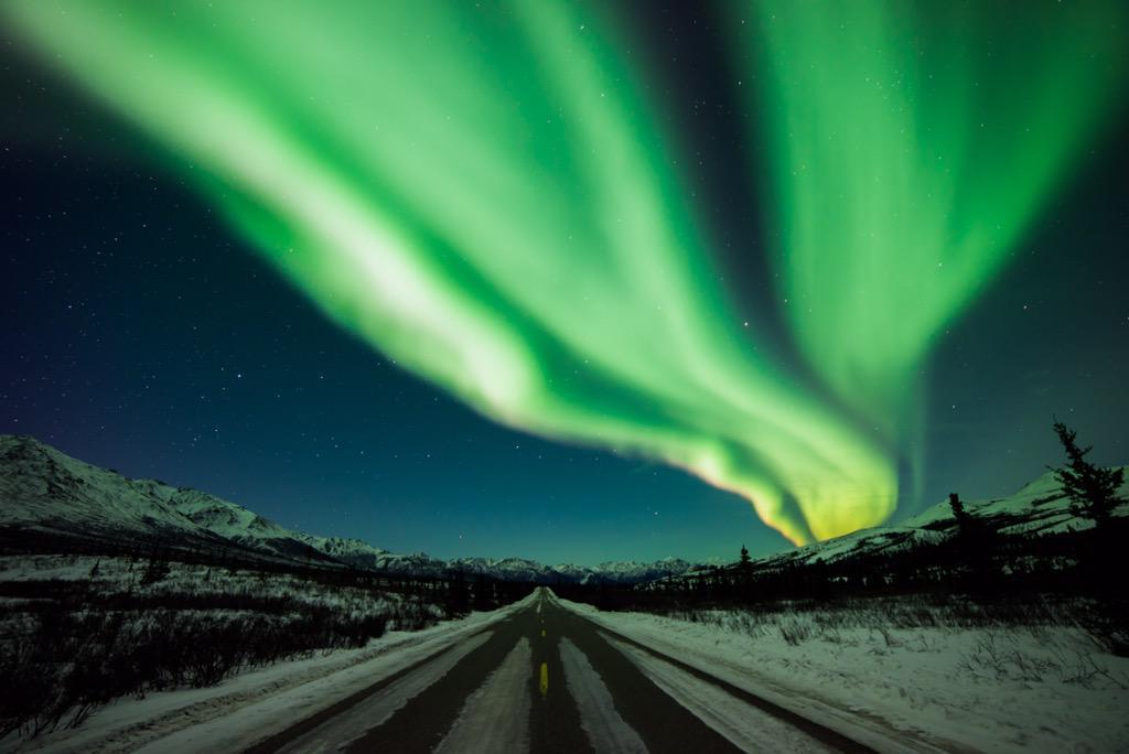 The northern lights put on a spectacular show last night. Aurora borealis over @DenaliNPS #Alaska