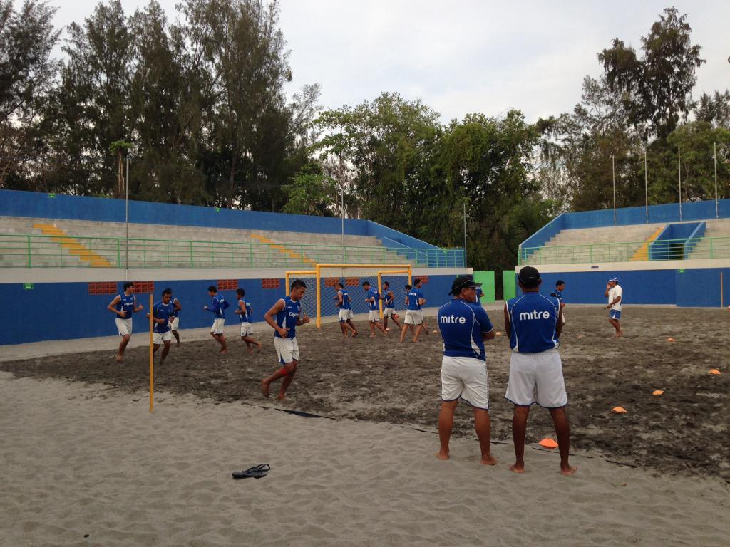 Campeonato de CONCACAF - Futbol Playa - El Salvador 2015. CAajdlBUIAAKQFz
