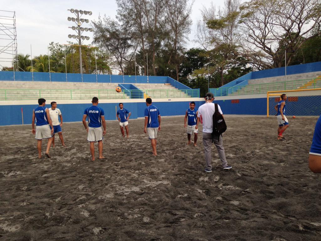 Campeonato de CONCACAF - Futbol Playa - El Salvador 2015. CAajdmcU0AEuXiT