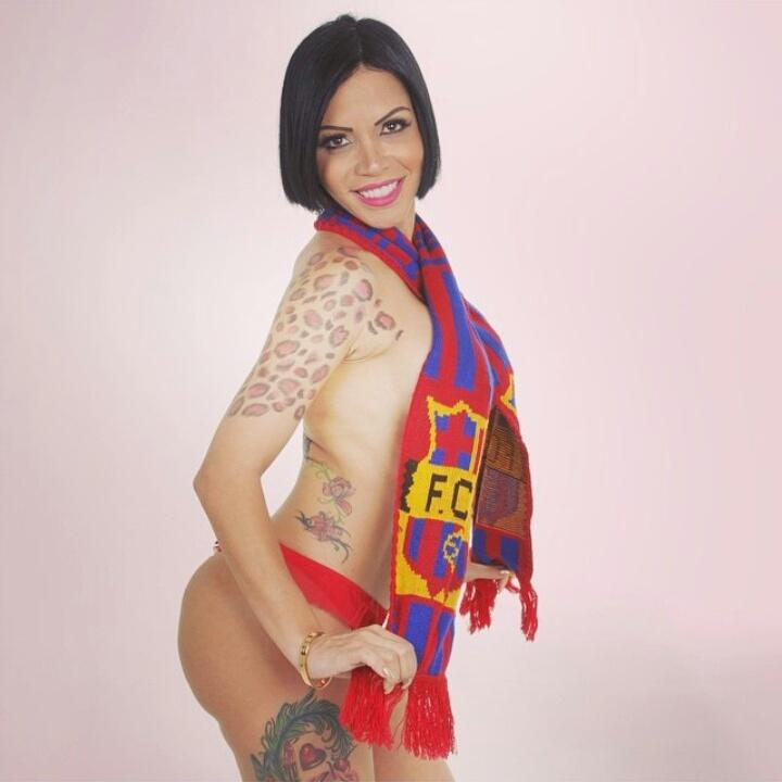 I get so hot … You follow me and we talk? #gifs #facil <br>http://pic.twitter.com/8yV700Z147