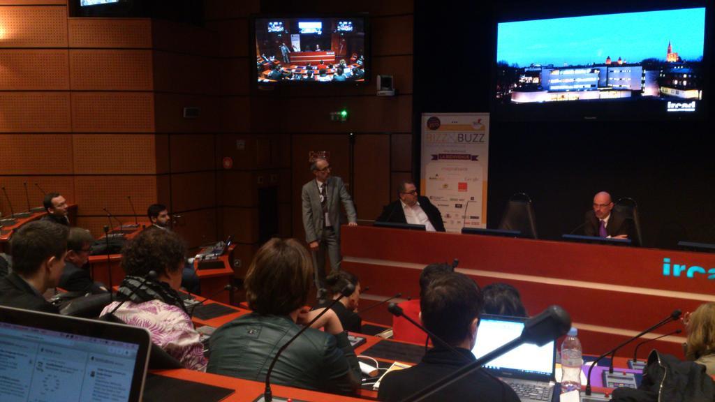 Un débat passionnant entre utilisateurs, avocats et entreprises sur les données personnelles #bzbalsace http://t.co/C7Rz1kHuYN