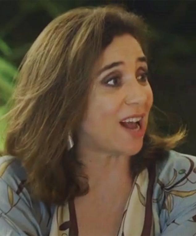 'Admiro a pessoa que sai do quarto às 7h de banho tomado', confessa Marisa Orth http://t.co/ukukHFcThT