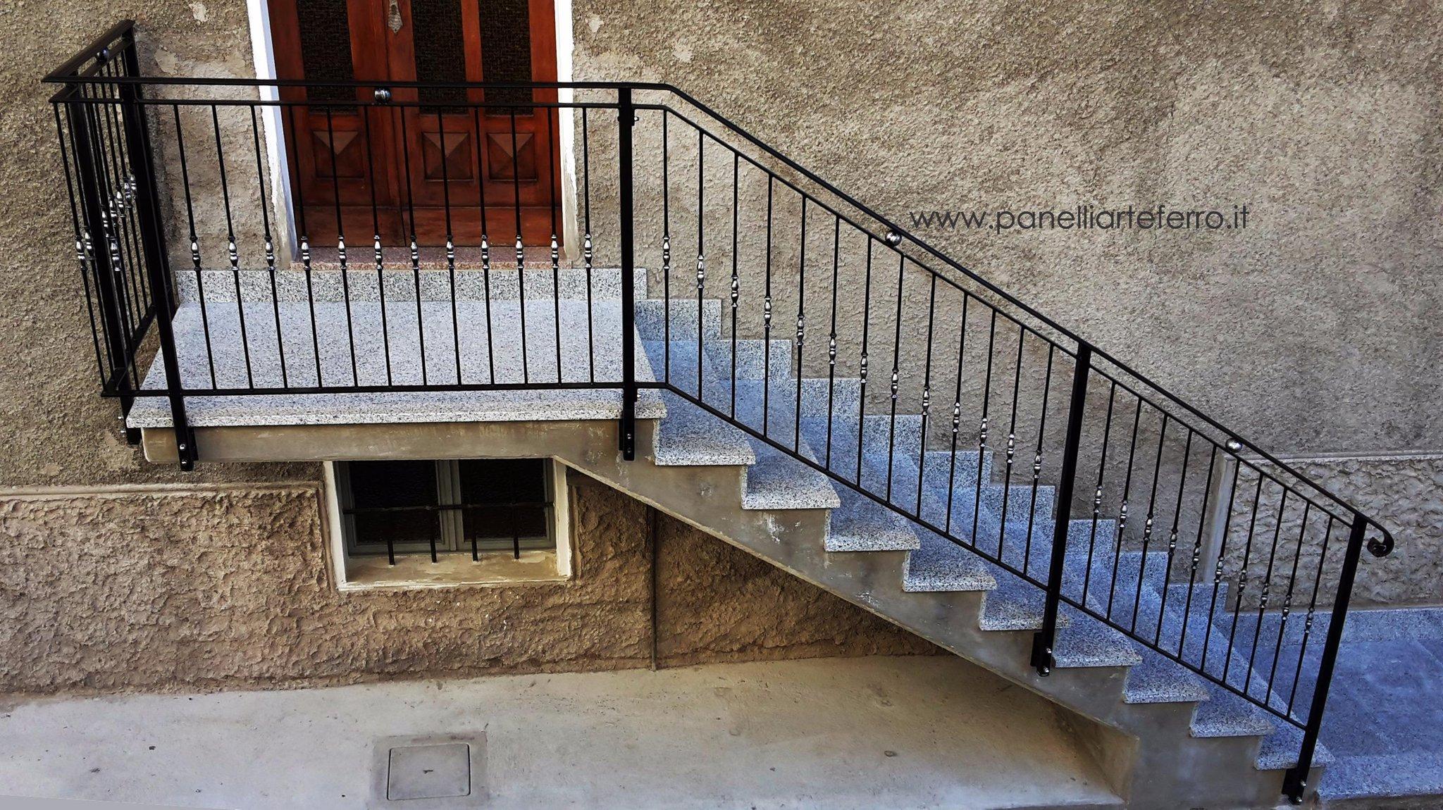 "Panelli Arte Ferro on Twitter: ""Ringhiera scala esterna ..."