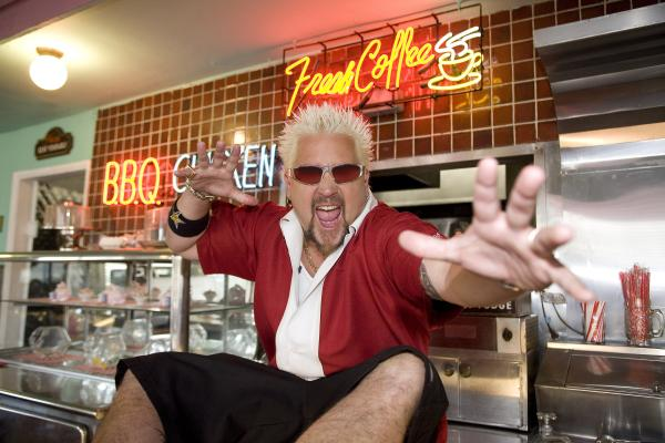.@guyfieri's coming your way for two knockout episodes of #TripleD from 9pm #guyfieritakeover http://t.co/C1X0swyVHH