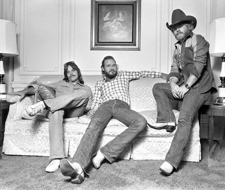 "#TBT ""Same three guys. Same three chords."" - Billy http://t.co/3Fg2GTm7ld"