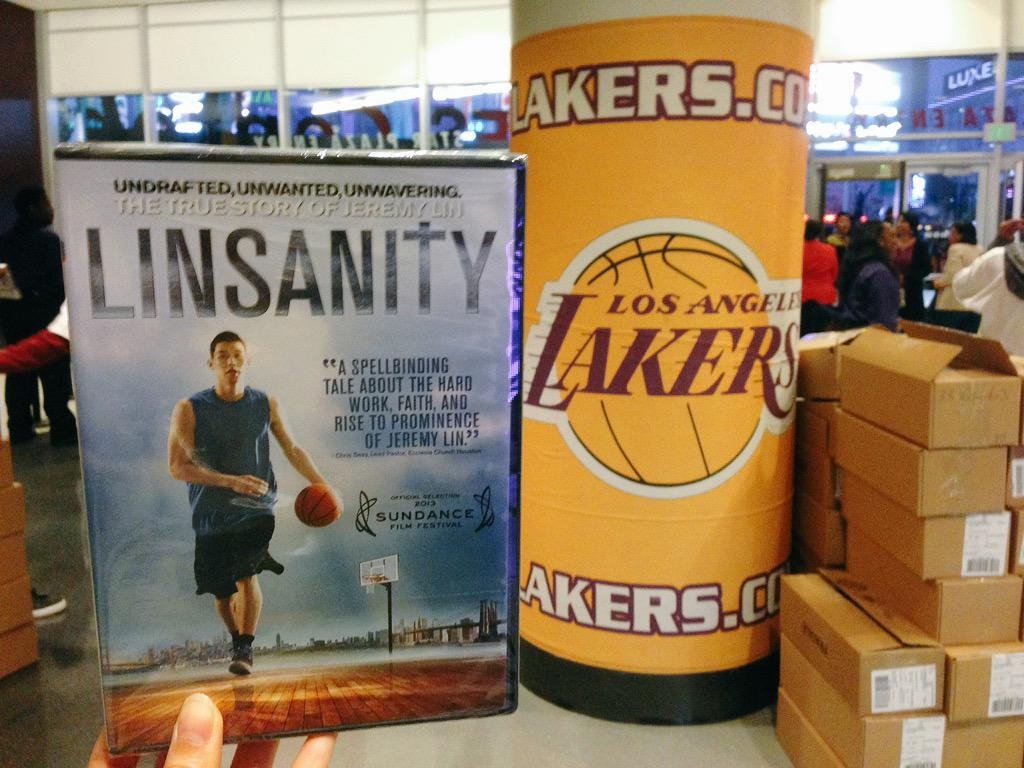 Every single person entering the @STAPLESCenter for the @Lakers game tonight is getting a copy of @LinsanityMovie!