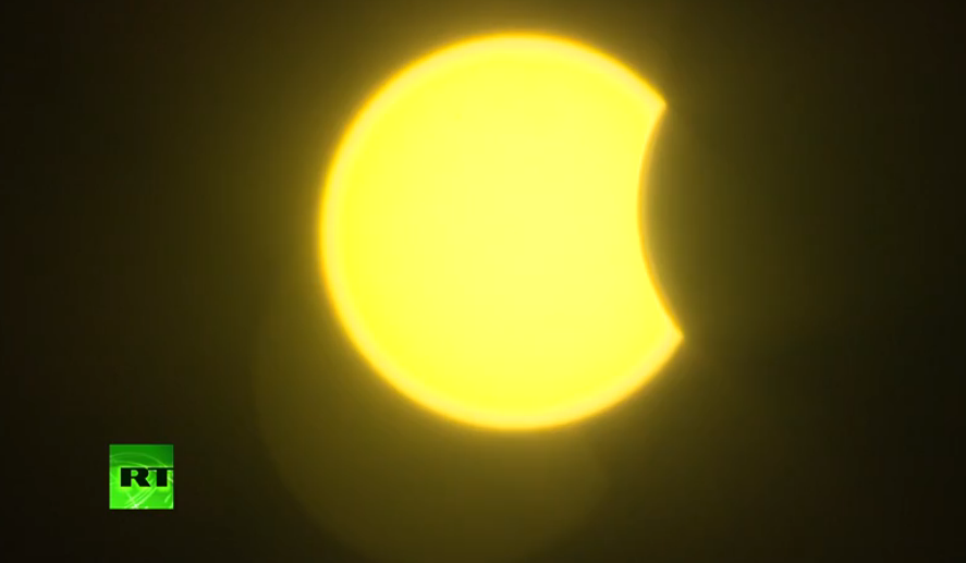 LIVE  Solar  eclipse2015 from Moscow - 60% blackout max expected http   cd51a4910