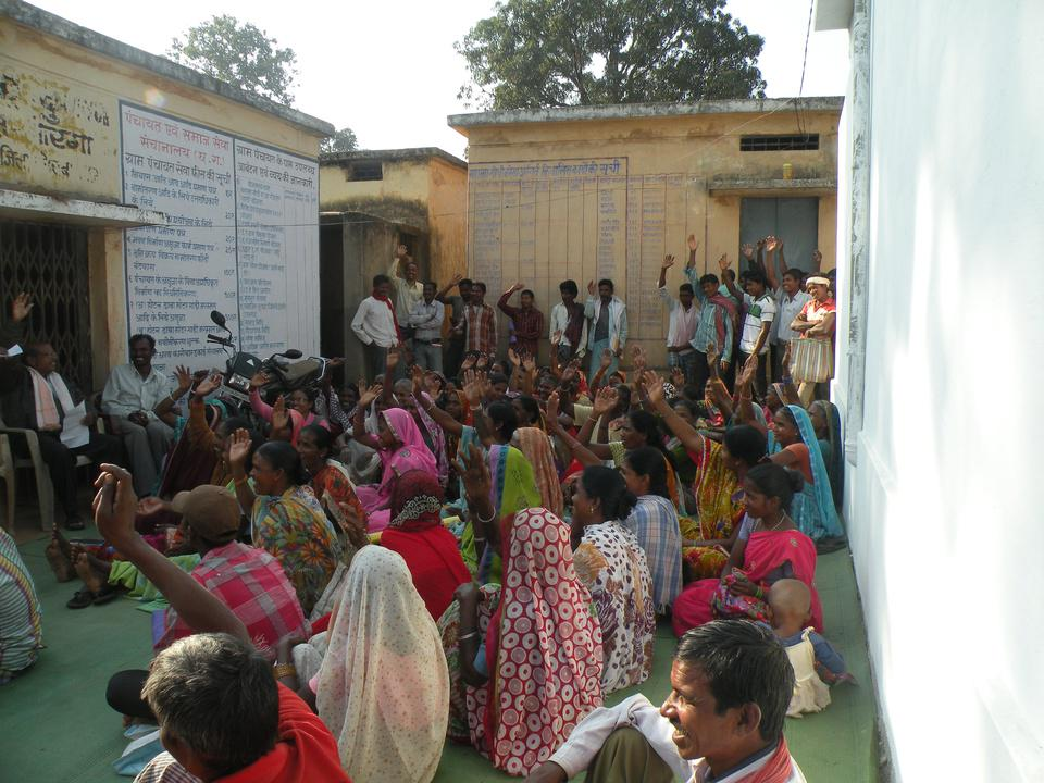 What Hasdeo's villagers said about coal mining on their lands and forests http://t.co/FAtw51Pwie #CoalBill http://t.co/CBs8IIljoM