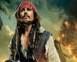 Gorriones en todos lados. El famoso Jack Sparrow suena distinto traducido: El capitán gorrión #DiaMundialdelGorrion http://t.co/HHGvGObQIN