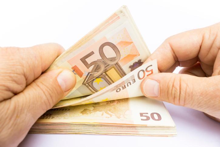 Prestiti: in calo quelli erogati a famiglie e imprese