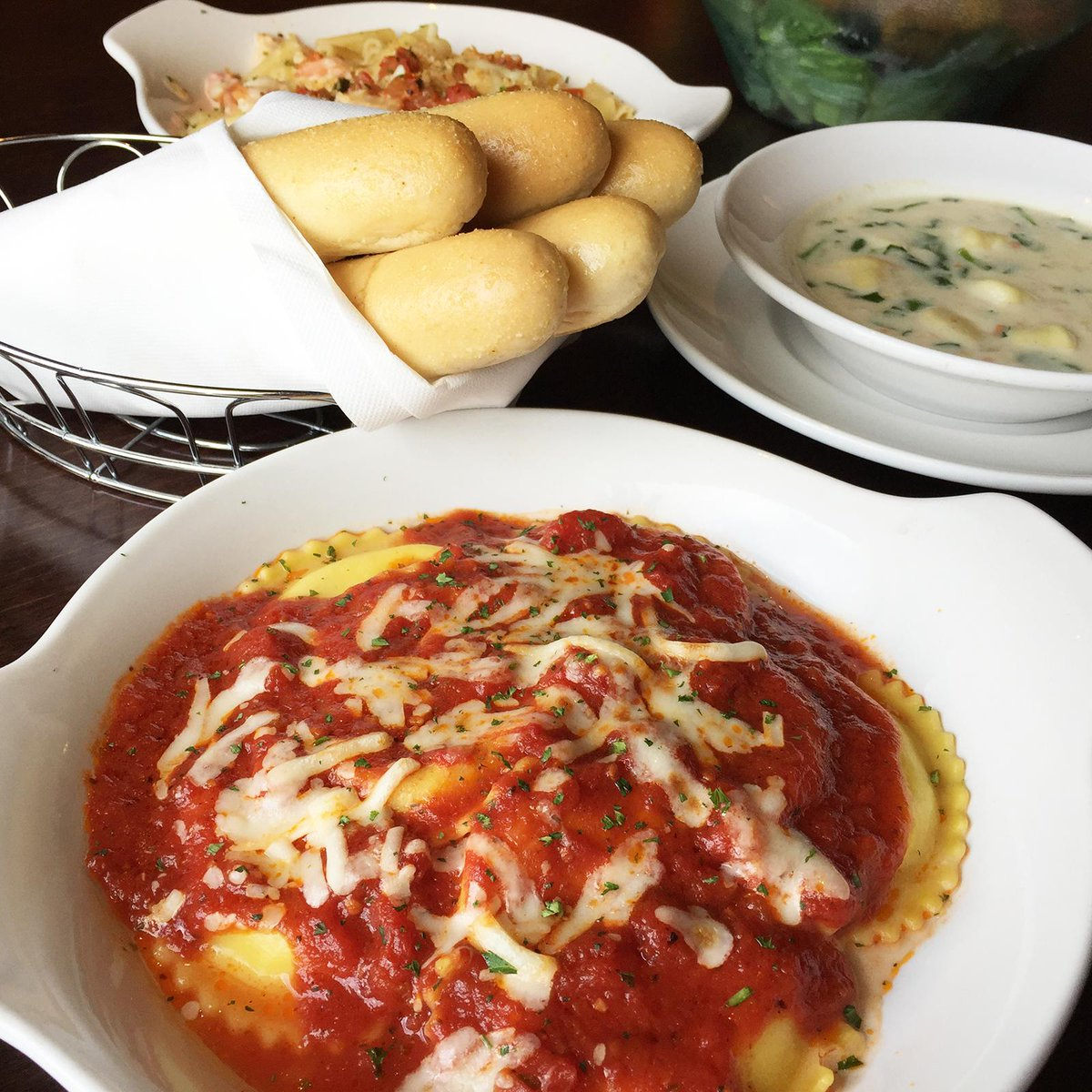 Olive garden on twitter mezzaluna ravioli with marinara sauce one for now and another for for Mezzaluna ravioli olive garden