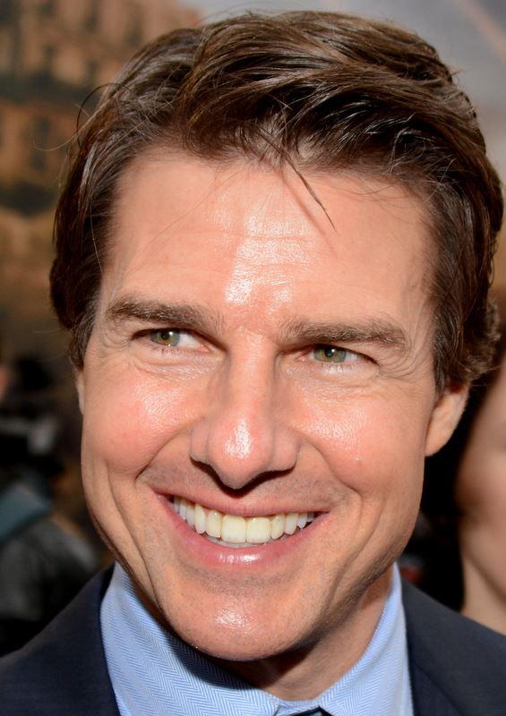 Sarahrizvi On Twitter Whaaaaaattttttt Lol Salluhee Sarahrizvi He Is Young But Looks Old Just Like Tom Cruise Is Old But Looks Young Http T Co Nyi0u5d5ck