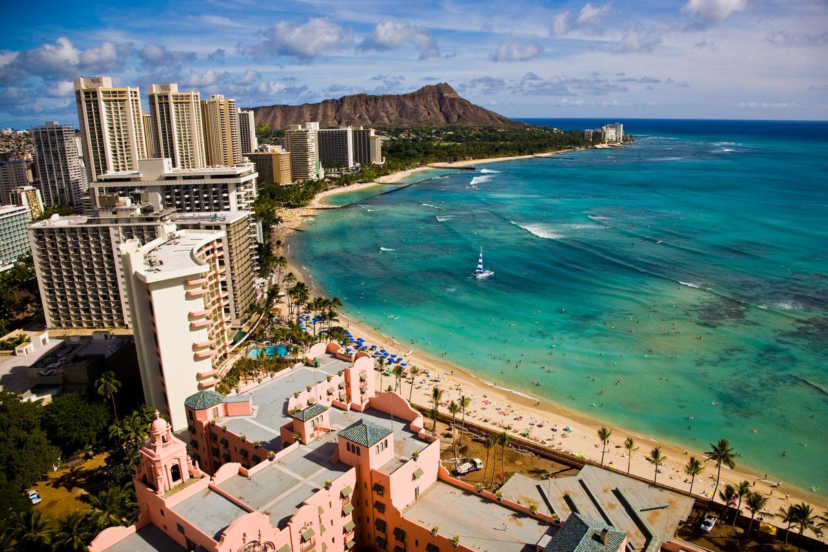 Thank you to everyone for helping make Waikīkī Beach a part of @USATODAY's list of 10Best Hawai'i beaches! #visitoahu http://t.co/A49ffR3jcG