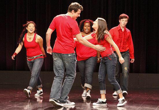This picture is everything #GleeGoodbye http://t.co/KEFZhY9bQR