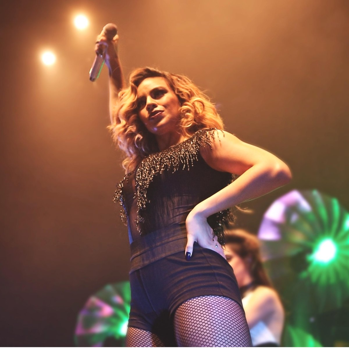 5 girls, 5 days. Kicking it off with Ms. @dinahjane97. We're coming for you tonight Albany #TheReflectionTour
