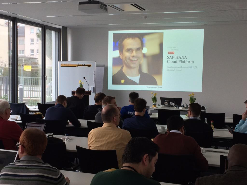 Familiar faces at #sitFRA ;-) ready to talk about #SAPHCP, a travel report. http://t.co/UEjwMpyEoC