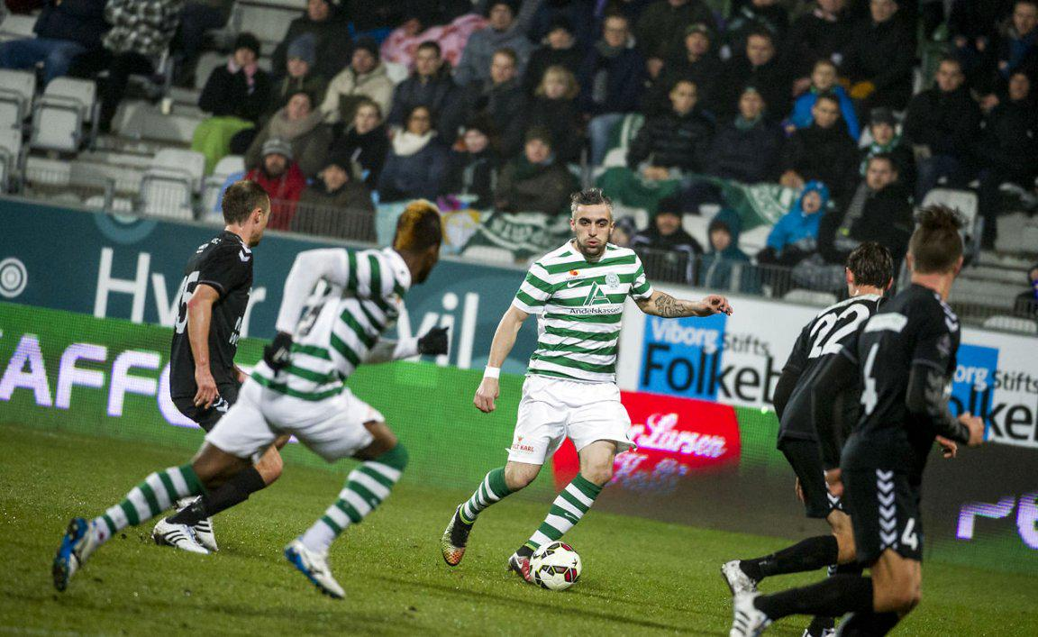 Stankov controls the ball