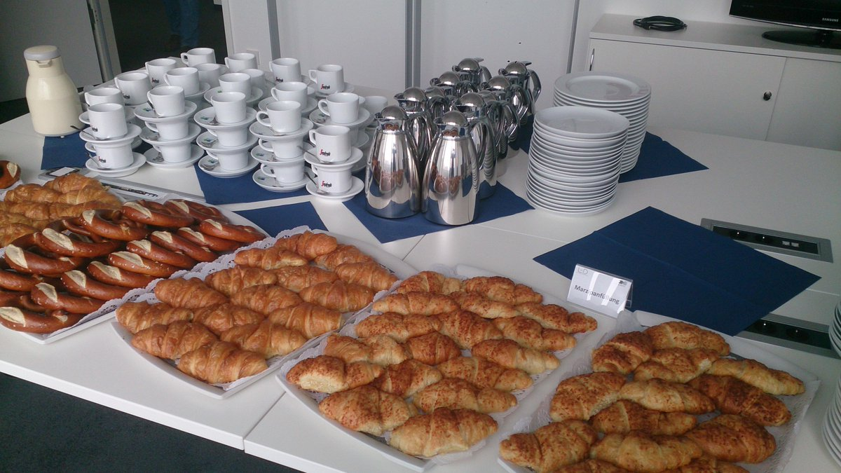 We have croissants, too. #sitFRA http://t.co/oGoat7g55w