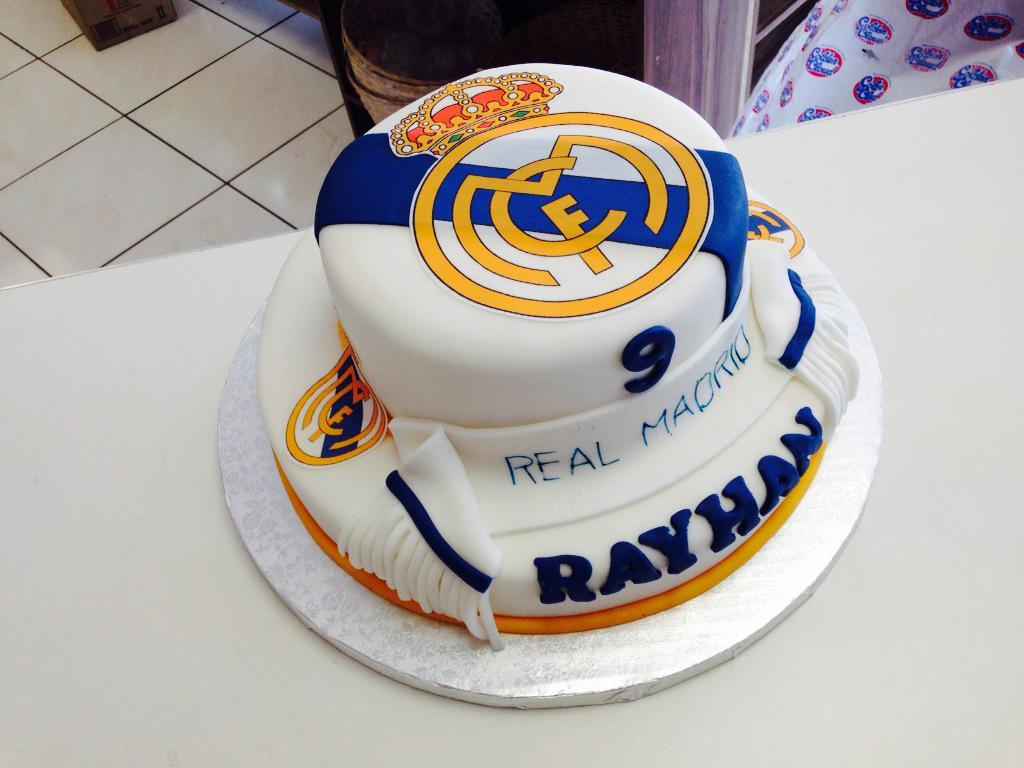 Sensational Lavish Bakery On Twitter Amazing Real Madrid Birthday Cake Funny Birthday Cards Online Elaedamsfinfo
