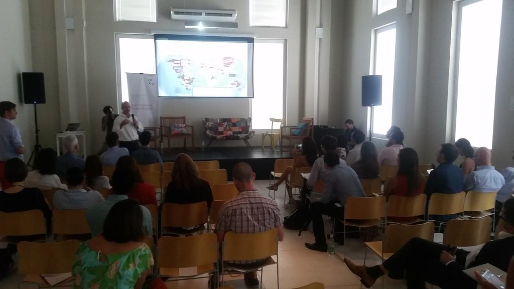 @gmunozabogabir CEO @tri_ciclos 1° Empresa B @ LATAM falando sobre negócios com propósito #LAYLF15 @bmwfoundation http://t.co/unYb58uIQC