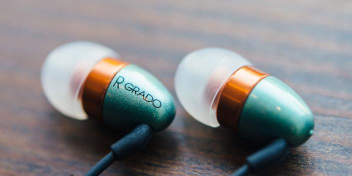 Review: Grado's GR10e in-ear headphones hit every note, $299 giveaway http://t.co/dGcqCX6mFI http://t.co/U3ZMDmKQxm