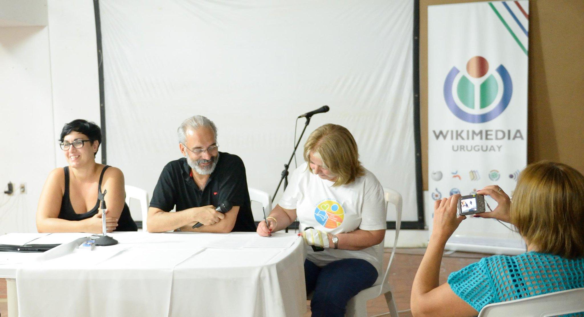 ABU firmando acuerdo Wikimedia