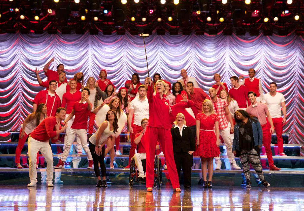 Our Friday nights just won't be the same. @GLEEonFOX #GleeFinale #FarewellGlee http://t.co/mPazgbZ1Fm http://t.co/qTAIcpdaSC