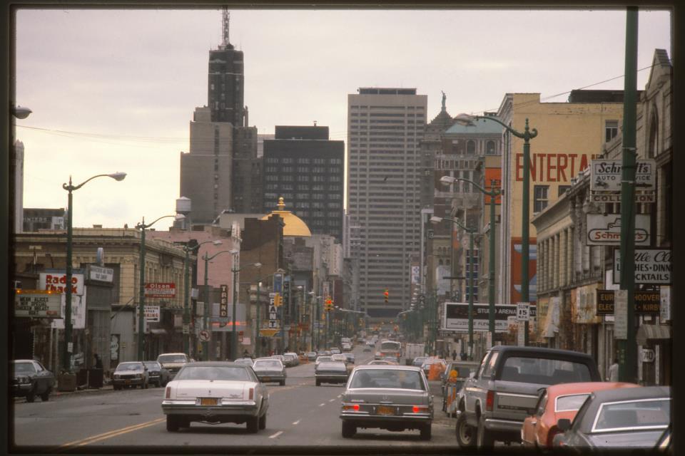 Weekend #Throwback #MainStreet late 1970's #Buffalo #DowntownBuffalo #BuffaloTheatreDistrict http://t.co/tkwu6A1scf