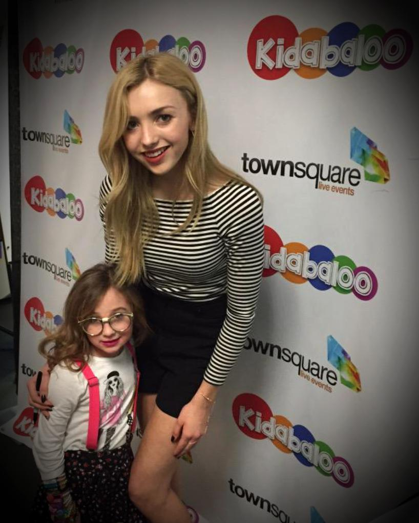 @Clickeez Click-star #NerdyNia w/star of Disney's Jesse @PeytonList @ the @Kidabaloo event!  #Clickeez #Acinae http://t.co/IJ9fsE4QMr