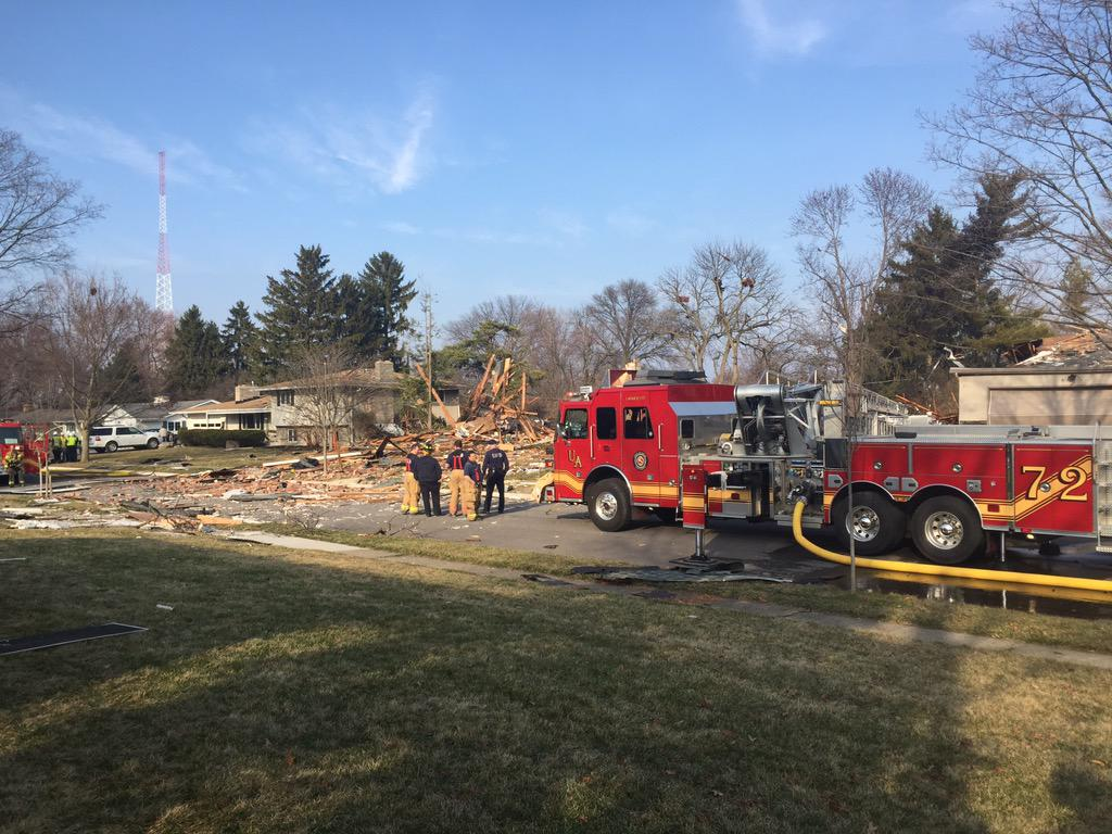 UPPER ARLINGTON HOUSE EXPLOSION: Firefighters expect Sunningdale Way to be closed for at least 24 hours. http://t.co/e5r4INMTFM
